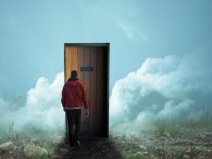 человек и дверь